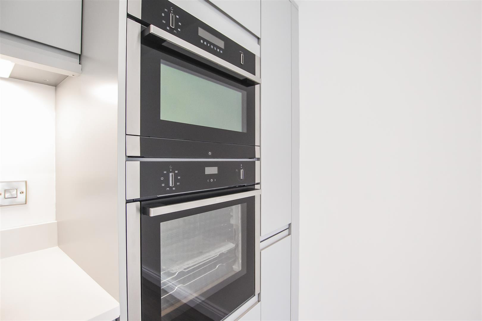 2 Bedroom Apartment For Sale - Image 37
